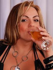 Naughty tranny spews cum in wine glass